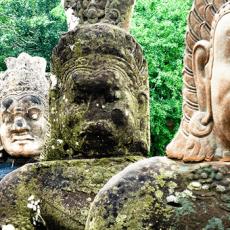 Amazing Angkor AT