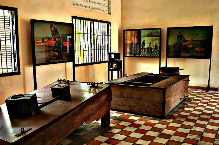 Tuol-Sleng-Genocide-Museum-S21-Prison-Hell-on-earth-in-Cambodia-17-400x300