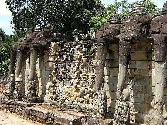 terrace-of-the-elephants-siem-reap